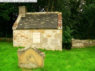 Duffus St Peters Kirk and Parish Cross (3)